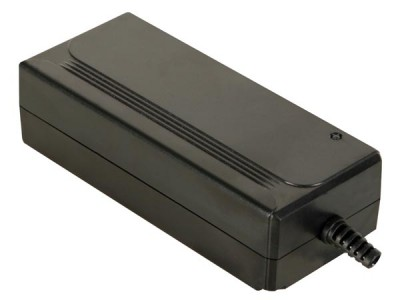 Compacte Schakelende Universele Dc Adapter Met Selecteerbare Uitgang : 5 Tot 15vdc - 36w